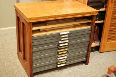 Small Type Cabinet 13 Cases